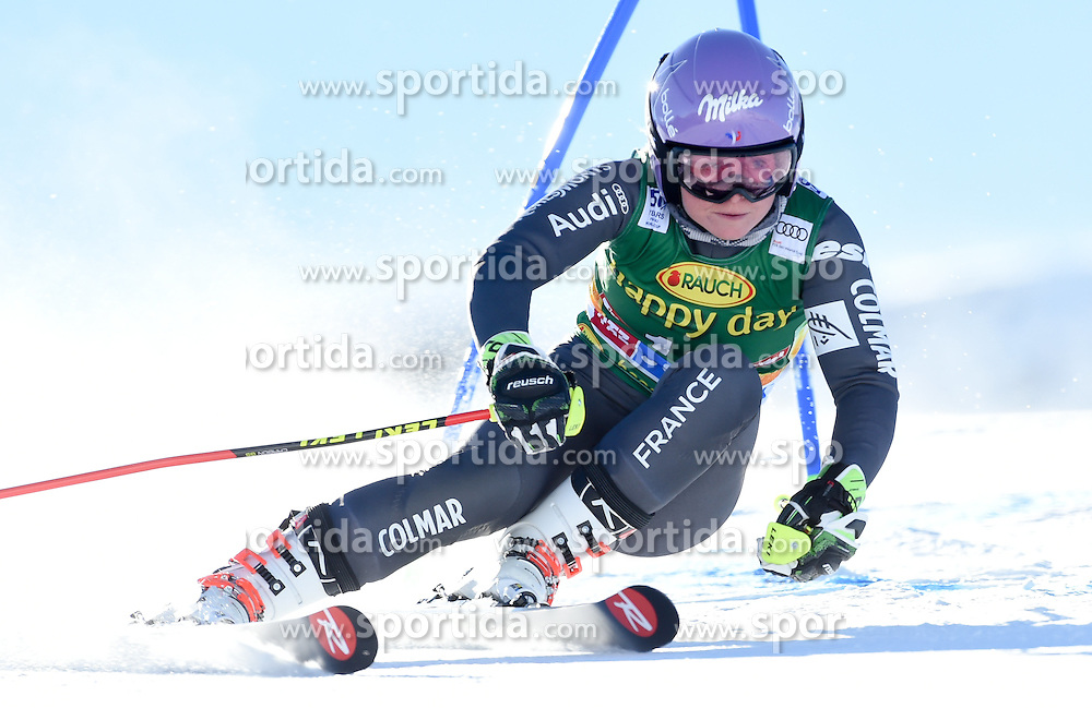 22.10.2016, Rettenbachferner, Soelden, AUT, FIS Weltcup Ski Alpin, Soelden, Riesenslalom, Damen, 1. Durchgang, im Bild Tessa Worley of France // in action during 1st run of ladies Giant Slalom of the FIS Ski Alpine Worldcup opening at the Rettenbachferner in Soelden, Austria on 2016/10/22. EXPA Pictures © 2016, PhotoCredit: EXPA/ Erich Spiess