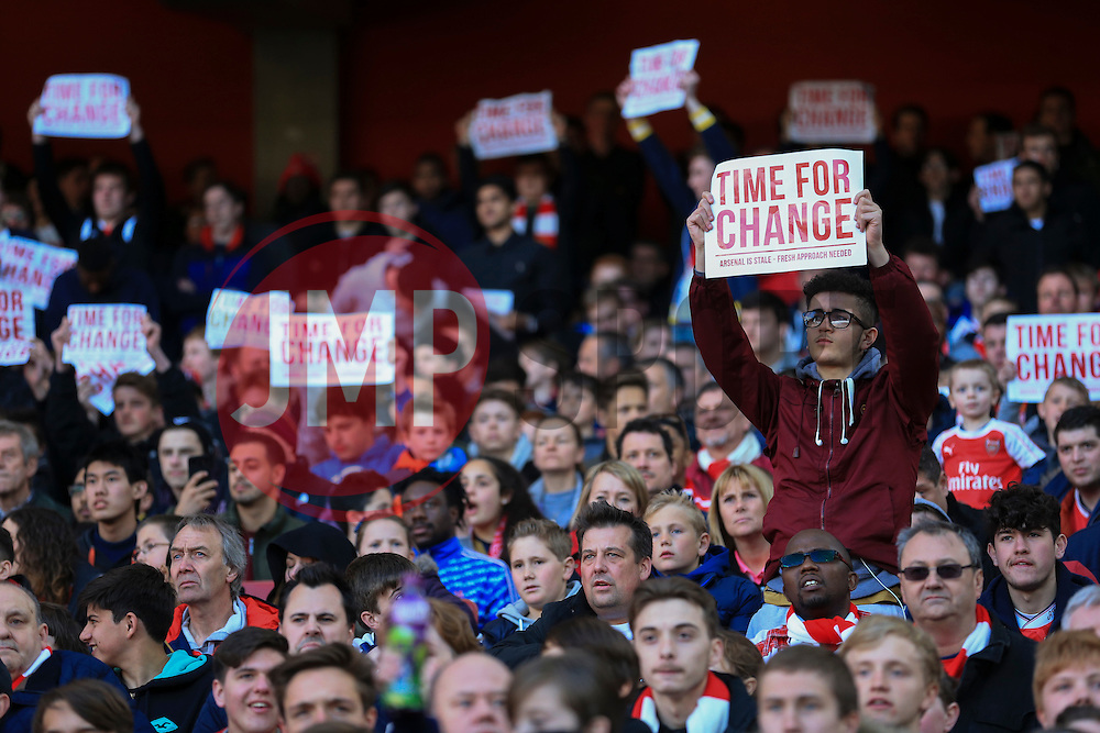 "Arsenal fans protest ""Time for Change"" - Mandatory byline: Jason Brown/JMP - 07966386802 - 30/04/2016 - FOOTBALL - Emirates Stadium - London, England - Arsenal v Norwich City - Barclays Premier League"