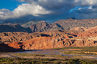 QUEBRADA Y RIO DE LAS CONCHAS, CAFAYATE, PROVINCIA DE SALTA, ARGENTINA (PHOTO © MARCO GUOLI - ALL RIGHTS RESERVED)