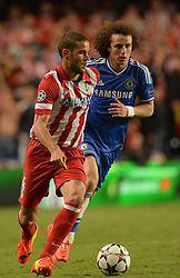 30.04.2014, Stamford Bridge, London, ENG, UEFA CL, FC Chelsea vs Atletico Madrid, Halbfinale, Rueckspiel, im Bild Athletico Madrid's midfielder Mario Suarez and Chelsea's defender David Luiz // Athletico Madrid's midfielder Mario Suarez and Chelsea's defender David Luiz during the UEFA Champions League Round of 4, 2nd Leg Match between Chelsea FC and Club Atletico de Madrid at the Stamford Bridge in London, Great Britain on 2014/05/01. EXPA Pictures © 2014, PhotoCredit: EXPA/ Mitchell Gunn<br /> <br /> *****ATTENTION - OUT of GBR*****
