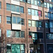 NLD/Amsterdam/20131123 - Weteringschans, kantoorpand. Tot 6 december 2013 mag hier de groep uit de Vluchtkerk blijven. Daarna krijgen zij onderdak in het voormalig Huis van Bewaring aan de Hanvenstraat.