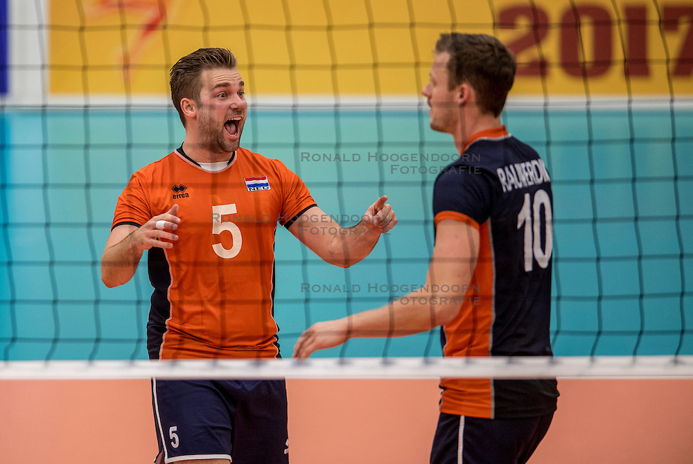 24-09-2016 NED: EK Kwalificatie Nederland - Wit Rusland, Koog aan de Zaan<br /> Nederland verliest de eerste twee sets / Dirk Sparidans #5