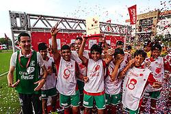 AE Sapiranga Futevale comemora a conquista da final regional RS da Copa Coca-Cola 2013 de Futebol, no CT Alvorada do S.C. Internacional. Foto: Vinícius Costa/ Agência Preview