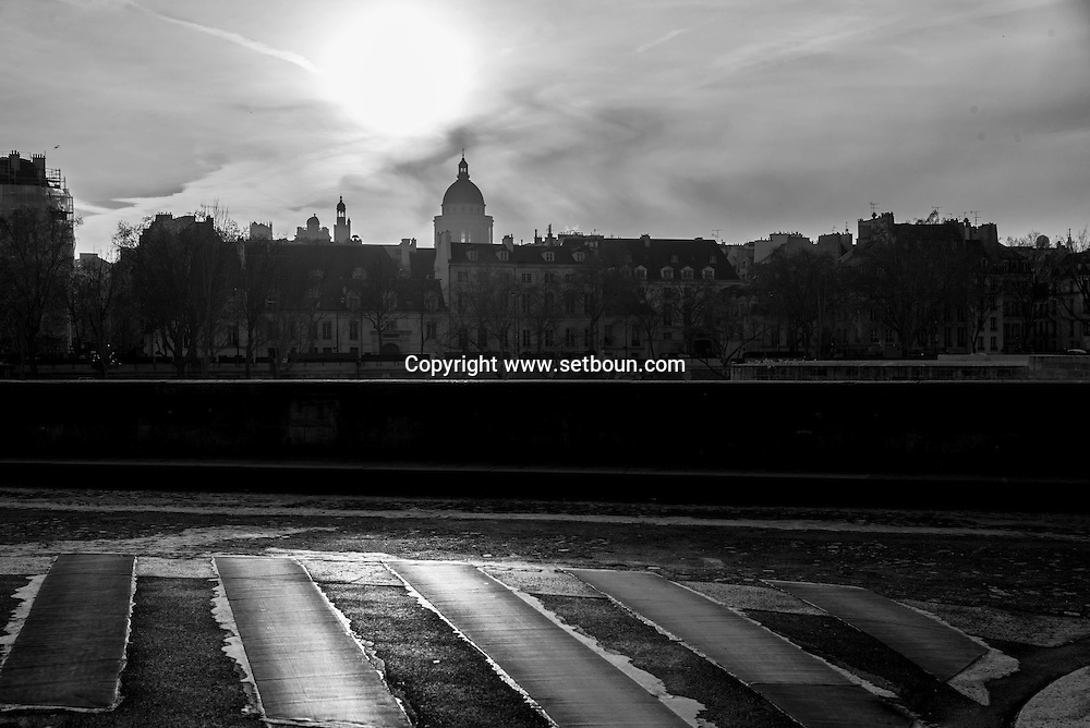 France . the pantheon view from the quay d'Orleans