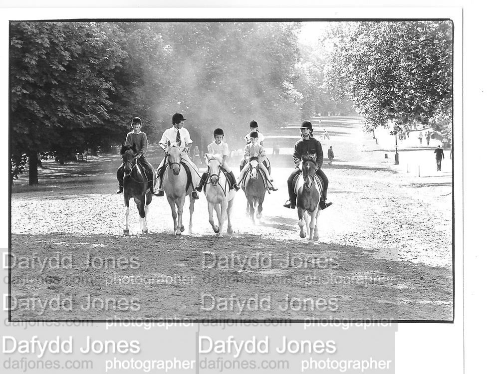 hyde park riding© Copyright Photograph by Dafydd Jones 66 Stockwell Park Rd. London SW9 0DA Tel 020 7733 0108 www.dafjones.com