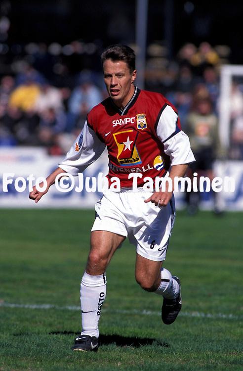 06.05.2001 Tampere, Finland. Veikkausliiga, Tampere United v Myllykosken Pallo-47..Janne Lindberg - MyPa.©JUHA TAMMINEN