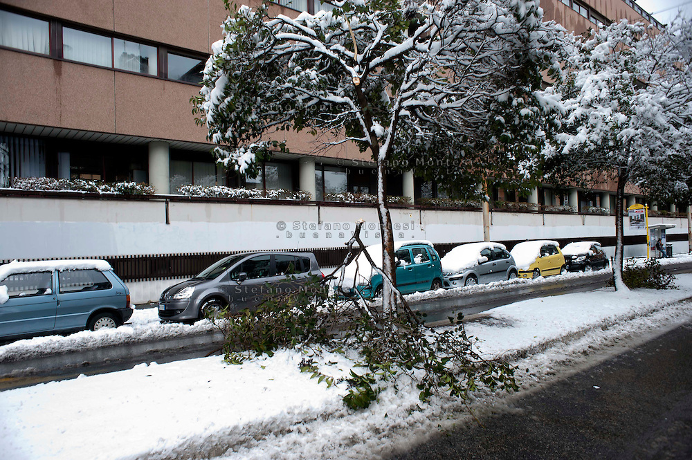 Roma 4 Febbraio 2012.Nevicata a Roma, il quartiere San Lorenzo.Snowfall in Rome, the district of San Lorenzo..Rome 4rd February 2012