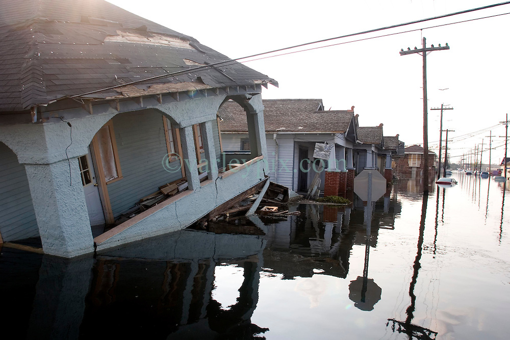 05 Sept  2005. New Orleans, Louisiana. Post hurricane Katrina.<br /> On patrol in Uptown New Orleans off Napolean Ave following the devastating floods.<br /> Photo; &copy;Charlie Varley/varleypix.com