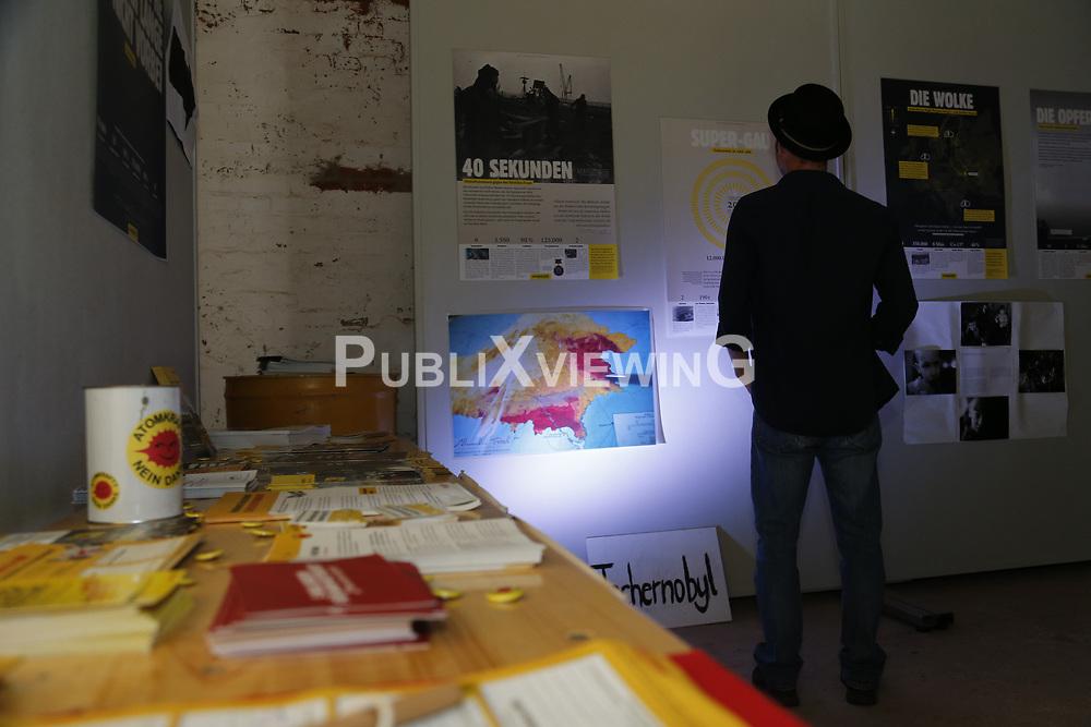 Um Spendengelder f&uuml;r die Opfer der Katastrophen von Tschernobyl und Fukushima zu generieren, organisieren Bewohner des Dorfes Ventschau im Landkreis L&uuml;neburg regelm&auml;&szlig;ig im Sommer das e-Ventschau Musikfestival.<br /> <br /> Ort: Ventschau<br /> Copyright: Andreas Conradt<br /> Quelle: PubliXviewinG