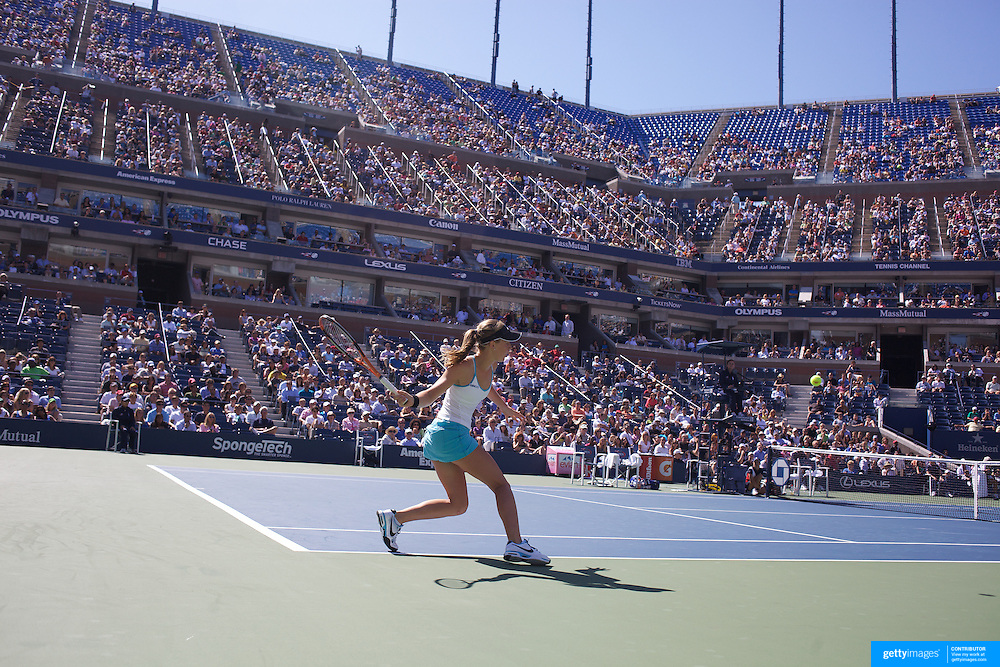 Olivia Rogowska, Australia, in action against Dinara Safina, Russia, during the first round match match in the US Open Tennis Tournament at Flushing Meadows, New York, USA, on Tuesday, September 1, 2009. Photo Tim Clayton.