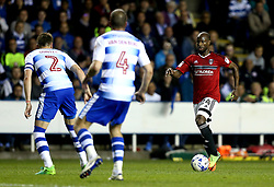 Sone Aluko of Fulham runs with the ball - Mandatory by-line: Robbie Stephenson/JMP - 16/05/2017 - FOOTBALL - Madejski Stadium - Reading, England - Reading v Fulham - Sky Bet Championship Play-off Semi-Final 2nd Leg