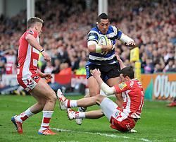 Anthony Perenise (Bath) runs into Jonny May (Gloucester) - Photo mandatory by-line: Patrick Khachfe/JMP - Tel: Mobile: 07966 386802 12/04/2014 - SPORT - RUGBY UNION - Kingsholm Stadium, Gloucester - Gloucester Rugby v Bath Rugby - Aviva Premiership.