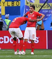 FUSSBALL  WM 2018  Achtelfinale  03.07.2018 Schweden - Schweiz Enttaeuschung Schweiz; Ricardo Rodriguez (re) hilft Manuel Akanji auf