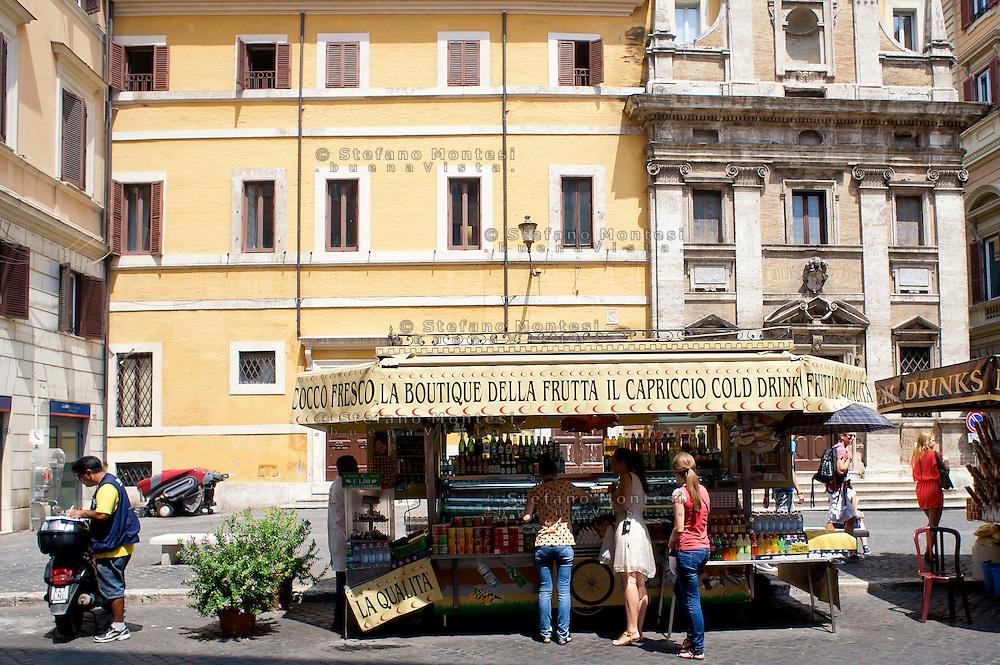 Roma 18 Luglio 2013<br /> Camion bar a piazza dei Crociferi<br /> Trucks bar to Piazza dei Crociferi, Rome