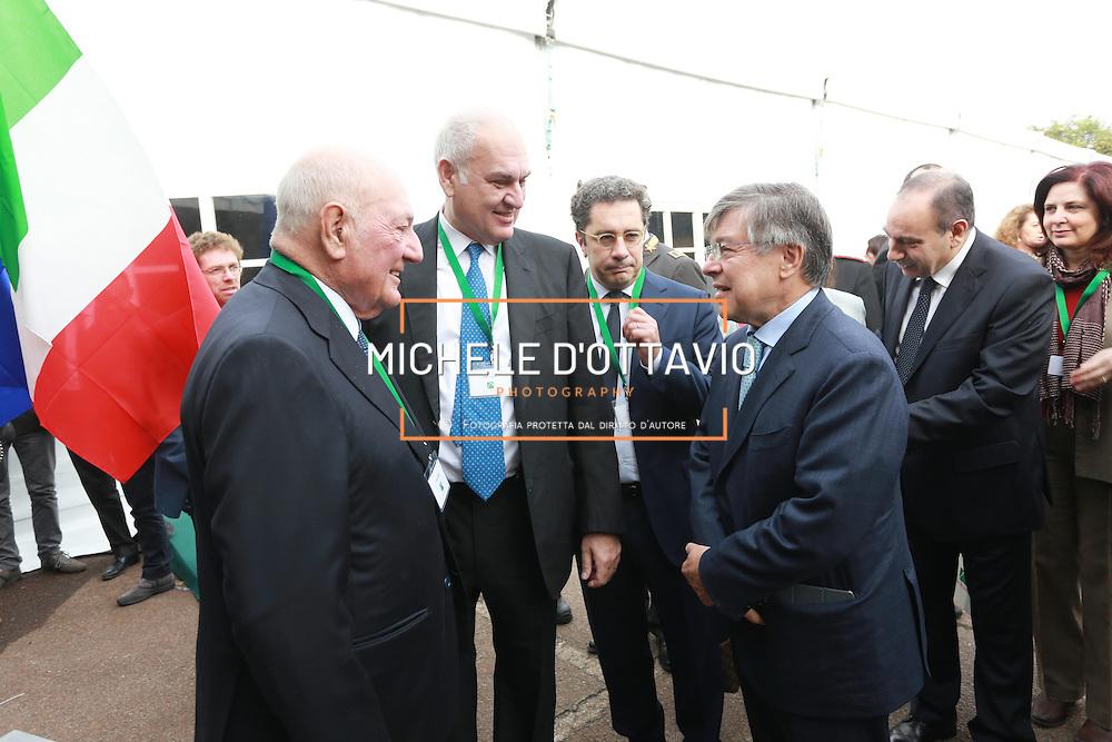 Guido e Vittorio Ghisolfi con il ministro Zanonato all'inaugurazione della Beta Renewables Mossi & Ghisolfi a Crescentino (VC) Italy.  Il primo impianto al mondo per la produzione di biocarburanti di seconda generazione