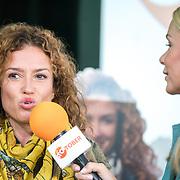 NLD/Amsterdam/20180907 - Start Stoptober 2018, Katja Schuurman in gesprek met Froukje de Both