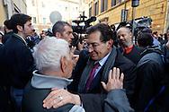 Roma  23 Aprile 2013.Si riunusce  la direzione nazionale del Partito Democratico. Rosario Crocetta, Governatore della Sicilia  con un sostenitore del PD