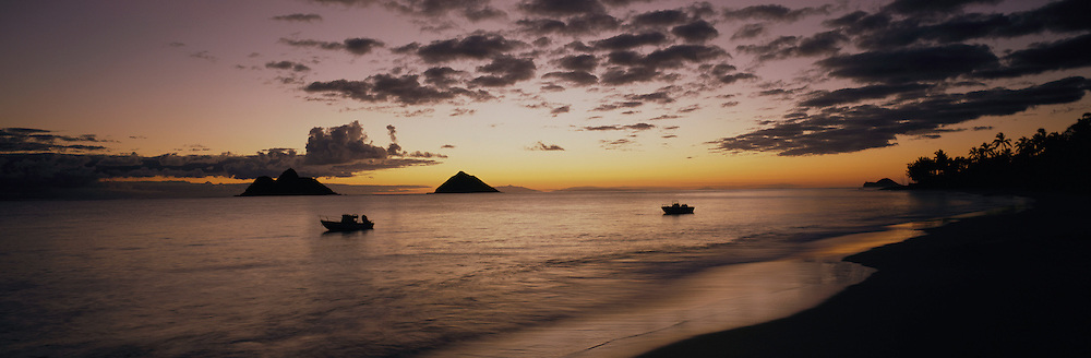 Sunrise, Mokulua Islands, Lanikai, Oahu, Hawaii<br />