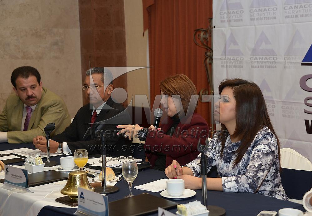Metepec, México.- Rocío Alonso Ríos, secretaria de Seguridad Ciudadana durante una reunión con integrantes de la Cámara de Comercio del Valle de Toluca. Agencia MVT / Crisanta Espinosa
