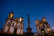 Mariana_MG, Brasil...Praca Minas Gerais, com as igrejas de Sao Francisco de Assis e Nossa Senhora do Carmo em Mariana. ..Minas Gerais square, with Sao Francisco de Assis church and Nossa Senhora do Carmo church in Mariana...Foto: LEO DRUMOND / NITRO.