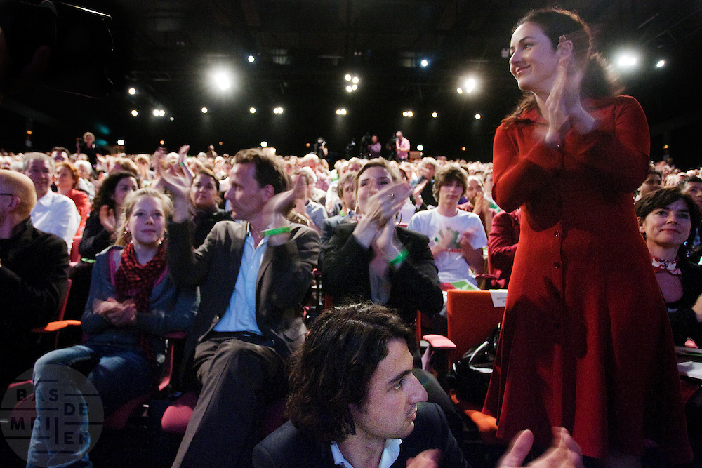 Femke Halsema wordt op de 28e partijcongres van GroenLinks in Vredenburg Leidsche Rijn in Utrecht opnieuw gekozen als lijsttrekker van de partij. <br /> <br /> At the party congress Femke Halsema is re-elected as leader of the party GroenLinks