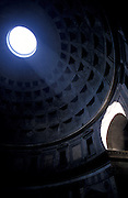 the roman pantheon, only roman Building in use