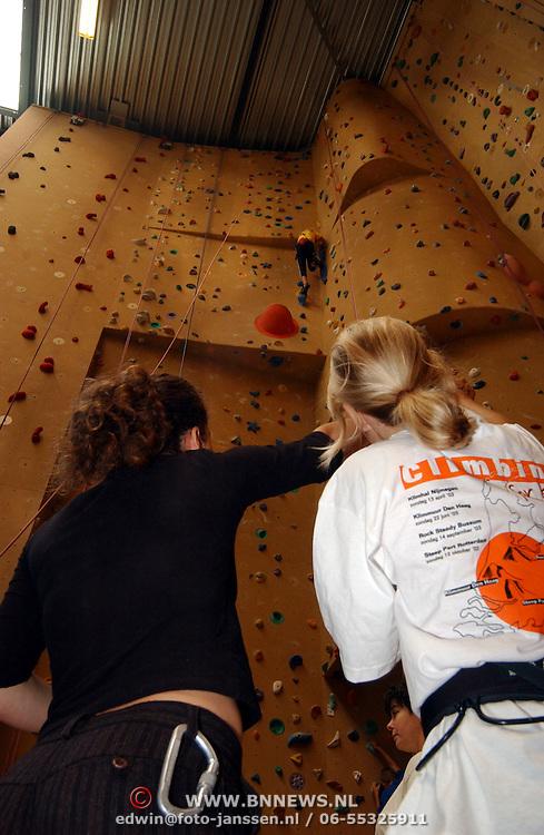 Climbing for kids wedstrijden klimcentrum Rock Steady bussum