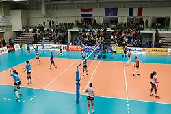 20180110 NED: CEV CUP Sliedrecht Sport - Beziers Angels VB: Sliedrecht<br />Warming-up both teams before match. <br />&copy;2018-FotoHoogendoorn.nl / Pim Waslander
