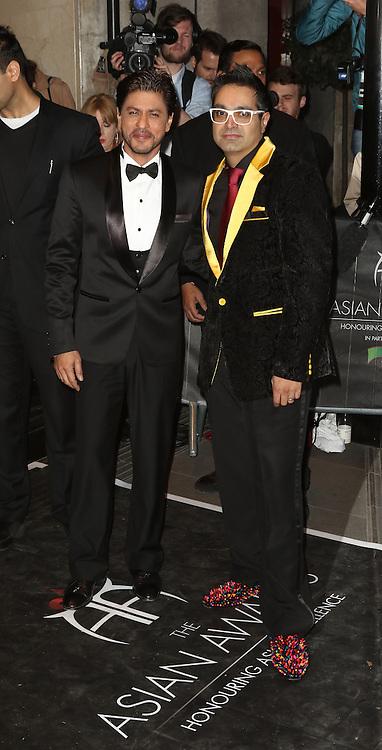 Shah Rukh Khan, Paul Sagoo, The Asian Awards, Grosvenor House Hotel, London UK, 17 April 2015, Photo by Richard Goldschmidt