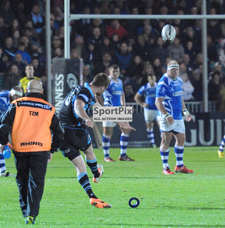 #10 Rory Clegg (Glasgow Warriors) scores a penalty for 3-0