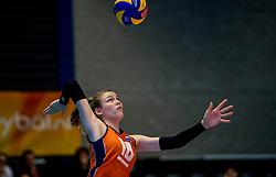 04-04-2017 NED:  CEV U18 Europees Kampioenschap vrouwen dag 3, Arnhem<br /> Duitsland - Nederland 3-1 / Nederland verliest kansloos van Duitsland met 3-1 - Sarah van Aalen #10