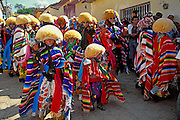 MEXICO, CHIAPAS, FESTIVALS Fiesta de Enero, Parachicos costumes