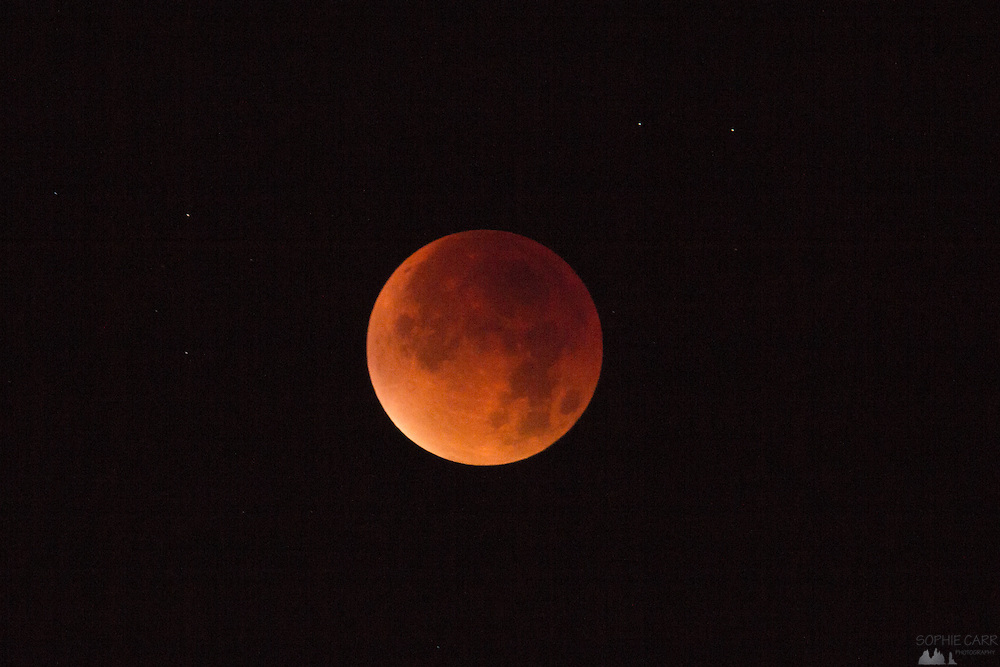 A few shots of the phases of the super blood moon on 28th September 2015
