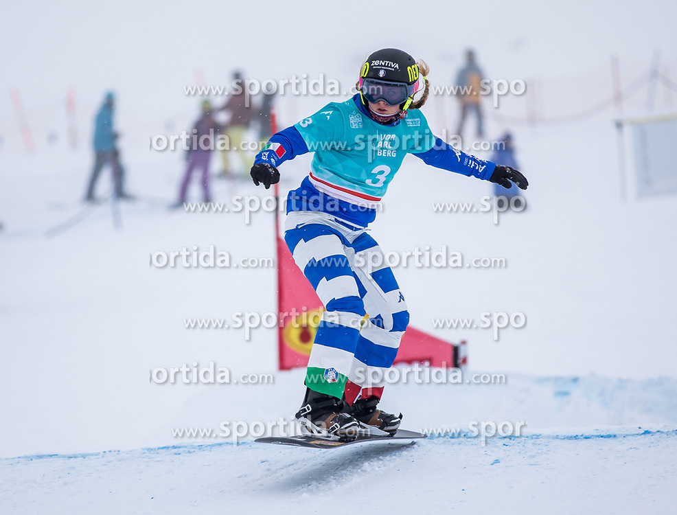16.12.2012, Montafon Seebliga, Schruns, AUT, FIS Snowboard Cross Weltcup, Trainig, Damen, im Bild Michela Moioli (ITA) // Michela Moioli of Italy in action during lady's trainig round of the at the Montafon Seebliga course, Schruns, Austria on 2017/12/16. EXPA Pictures © 2012, PhotoCredit: EXPA/ Peter Rinderer