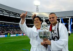 27-04-2008 VOETBAL: KNVB BEKERFINALE FEYENOORD - RODA JC: ROTTERDAM <br /> Feyenoord wint de KNVB beker - Michael Mols en Kevin Hofland<br /> ©2008-WWW.FOTOHOOGENDOORN.NL