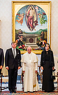 22- 6-2017 ROME  Vaticaan  - Koning Willem-Alexander en Koningin Maxima Audi&euml;ntie met Zijne Heiligheid Paus Franciscus <br />    . 4 daags staatsbezoek van Koning Willem-Alexander en koningin Maxima aan de Republiek Itali&euml; en de Heilige Stoel in Vaticaanstad . COPYRIGHT ROBIN UTRECHT <br /> <br /> 22- 6-2017 ROME Vatican - King William Alexander and Queen Maxima Audience with His Holiness Pope Franciscus<br /> &nbsp;&nbsp;&nbsp; . 4-day state visit of King Willem-Alexander and Queen Maxima to the Republic of Italy and the Holy See in Vatican City. COPYRIGHT ROBIN UTRECHT