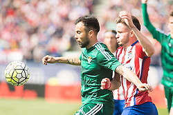 02.04.2016, Estadio San Mames, Bilbao, ESP, Primera Division, Athletic Club vs Real Betis, 31. Runde, im Bild Atletico de Madrid's Saul Niguez and Real Betis's Molinero // during the Spanish Primera Division 31th round match between Athletic Club and Real Betis at the Estadio San Mames in Bilbao, Spain on 2016/04/02. EXPA Pictures © 2016, PhotoCredit: EXPA/ Alterphotos/ Borja B.Hojas<br /> <br /> *****ATTENTION - OUT of ESP, SUI*****