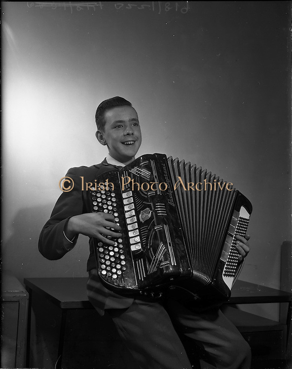 24/10/1959<br /> 10/24/1959<br /> 24 October 1959<br /> Pól de Broc (Paul Brock) accordionist from Athlone, Co. Westmeath and Roscommon.