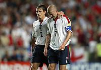 Fotball<br /> Euro 2004<br /> Portugal<br /> 24. juni 2004<br /> Foto: Dppi/Digitalsport<br /> NORWAY ONLY<br /> Kvartfinale<br /> Portugal v England<br /> DESPAIR GARY NEVILLE / DAVID BECKHAM (ENG)