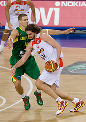 Robertas Javtokas of Lithuania vs Pau Gasol of Spain during the EuroBasket 2009 Group F match between Spain and Lithuania, on September 14, 2009 in Arena Lodz, Hala Sportowa, Lodz, Poland.  (Photo by Vid Ponikvar / Sportida)