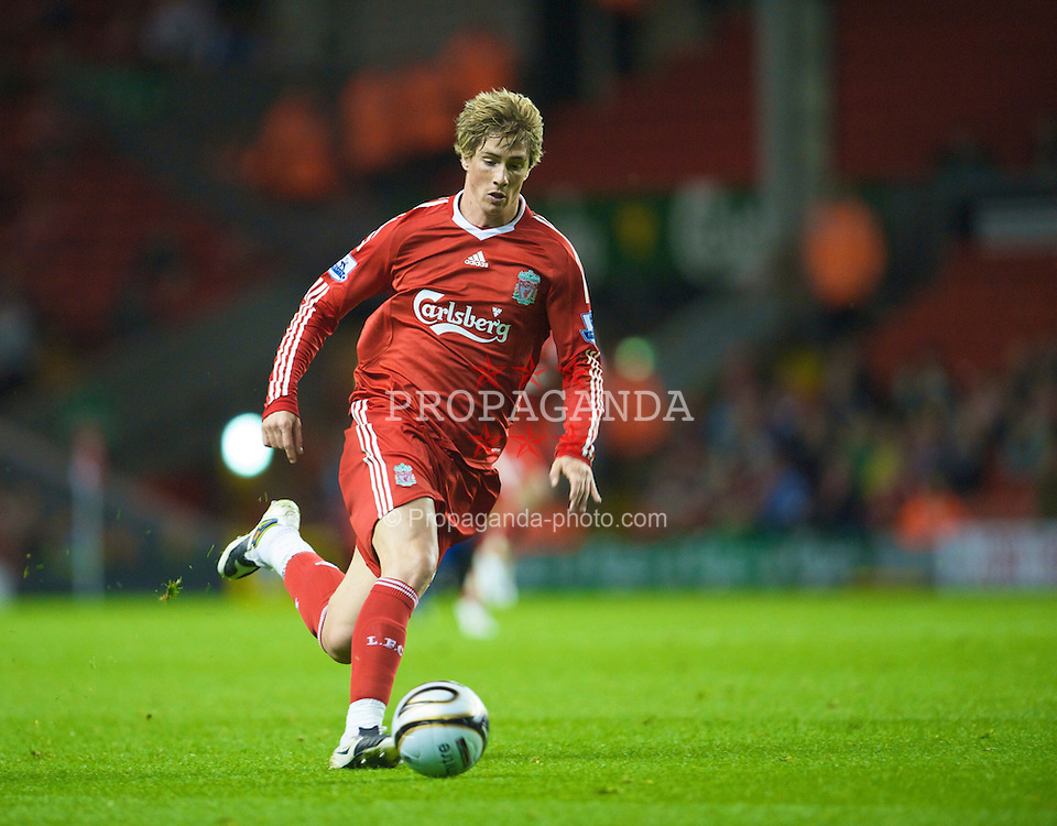 LIVERPOOL, ENGLAND - Tuesday, September 23, 2008: Liverpool's Fernando Torres in action against Crewe Alexandra during the League Cup 3rd round match at Anfield. (Photo by David Rawcliffe/Propaganda)