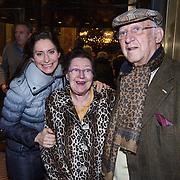 NLD/Amsterdam/20131219 - Premiere Kerstcircus 2013 Carre, Pia Douwes en haar ouders