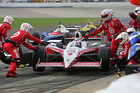 Scott Dixon pits at the Nashville Superspeedway, Firestone Indy 200, July 16, 2005