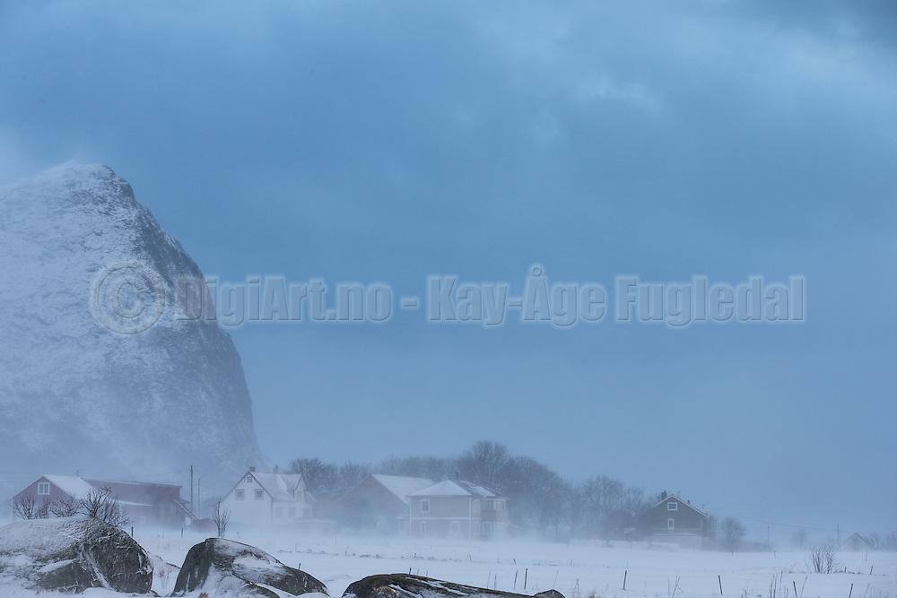 Strong wind and drifting snow at Flø, Norway | Sterk vind og snøfokk på Flø, Norge