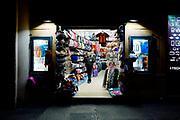 Un negozio gestito da un cittadino bangladese nel centro storico di Roma, 17 gennaio 2018. Christian Mantuano / OneShot<br /> <br /> A shop of a Bangladeshi citizen in the historic center of Rome, 17 January 2018. Christian Mantuano / OneShot