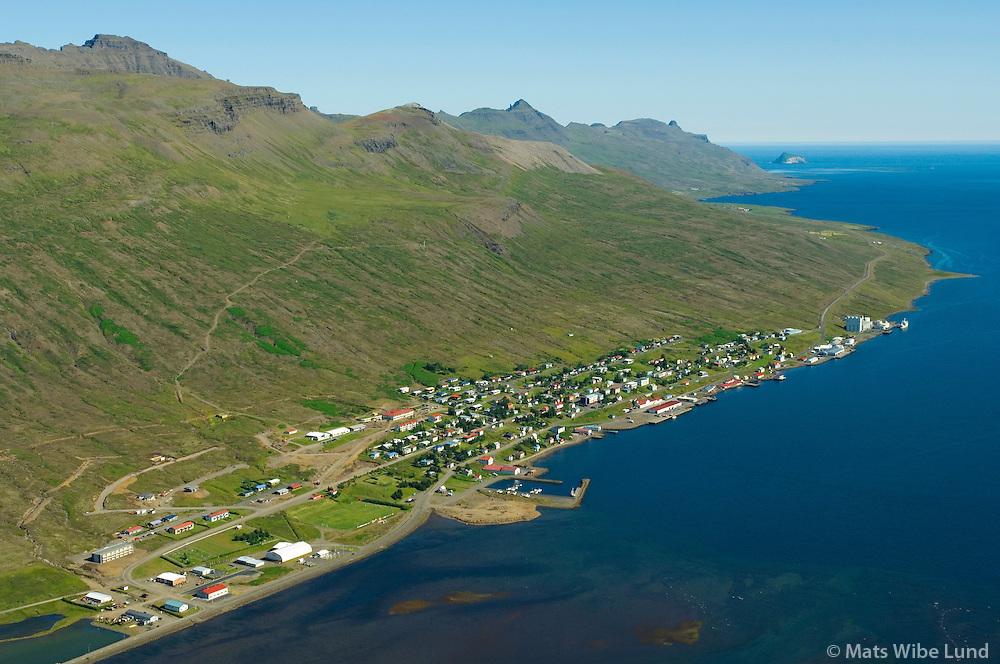Fáskrúðsfjörður séð til austurs, Fjarðabyggð / Faskrudsfjordur viewing east, Fjardabyggd.