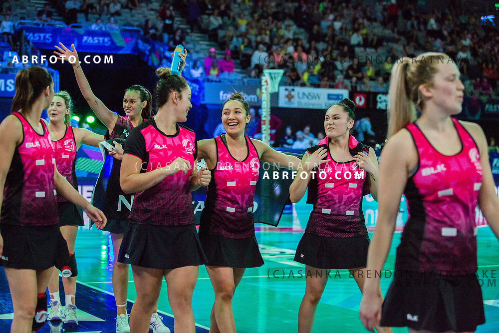 New Zealand players thank fans as they bow out of the tournament during the Fast5 Netball 3rd Vs 4th match between New Zealand Silver Ferns and Australia at Hisense Arena Melbourne Australia. Sunday 29th October 2017. Copyright Photo. Brendon Ratnayake / www.photosport.nz