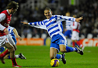 Photo: Leigh Quinnell/Sportsbeat Images.<br /> Reading v Arsenal. The FA Barclays Premiership. 12/11/2007. Readings Ivar Ingimarsson jumps in to collect the ball.