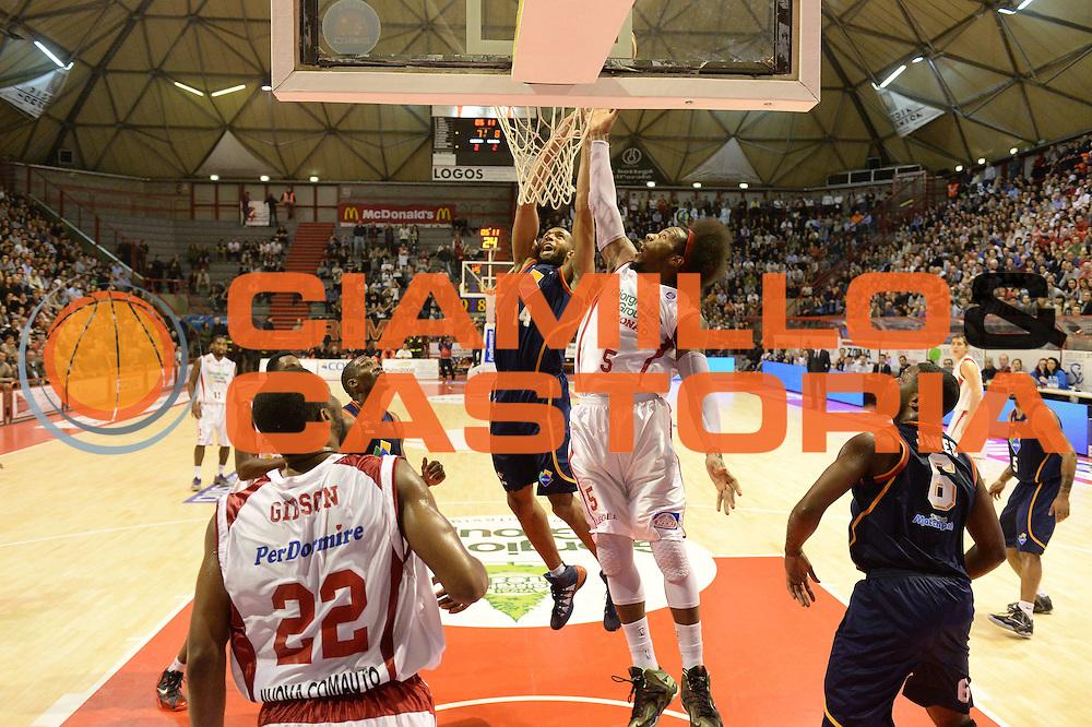 DESCRIZIONE : Pistoia Lega serie A 2013/14 Giorgio Tesi Group Pistoia Acea Roma<br /> GIOCATORE : Ed Daniel<br /> CATEGORIA : Special Rimbalzo<br /> SQUADRA : Giorgio Tesi Group Pistoia<br /> EVENTO : Campionato Lega Serie A 2013-2014<br /> GARA : Giorgio Tesi Group Pistoia Acea Roma<br /> DATA : 29/12/2013<br /> SPORT : Pallacanestro<br /> AUTORE : Agenzia Ciamillo-Castoria/GiulioCiamillo<br /> Galleria : Lega Seria A 2013-2014<br /> Fotonotizia : Pistoia Lega serie A 2013/14 Giorgio Tesi Group Pistoia Acea Roma<br /> Predefinita :