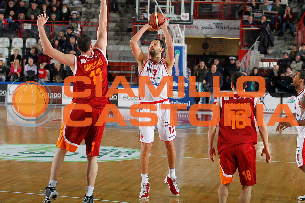 DESCRIZIONE : Varese Campionato Lega A 2011-12 Cimberio Varese Acea Virtus Roma<br /> GIOCATORE : Luca Garri<br /> CATEGORIA : Tiro Three Points<br /> SQUADRA : Cimberio Varese<br /> EVENTO : Campionato Lega A 2011-2012<br /> GARA : Cimberio Varese Acea Virtus Roma<br /> DATA : 12/02/2012<br /> SPORT : Pallacanestro<br /> AUTORE : Agenzia Ciamillo-Castoria/G.Cottini<br /> Galleria : Lega Basket A 2011-2012<br /> Fotonotizia : Varese Campionato Lega A 2011-12 Cimberio Varese Acea Virtus Roma<br /> Predefinita :